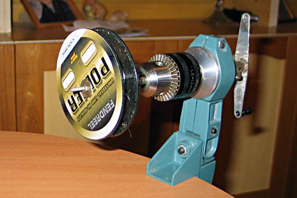 Устройство для намотки лески на катушку